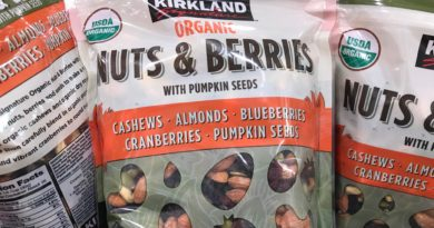 Kirkland Organic Nuts and Berries